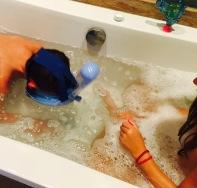essai du masque de plongée... dans la baignoire ;)